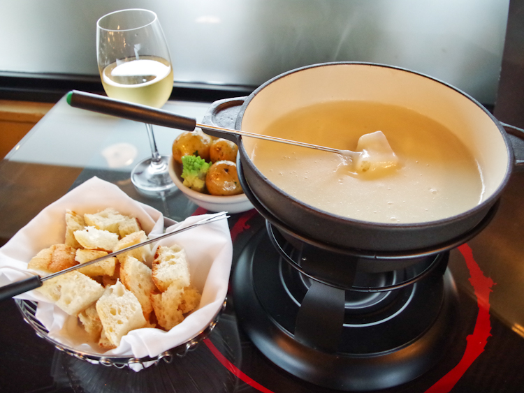 frenchtable-cheese-fondue-12