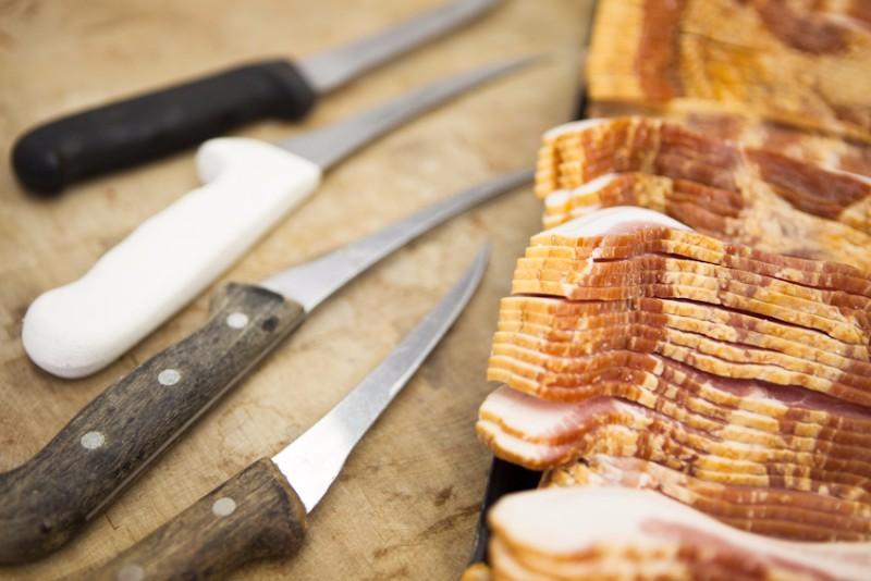 bacon-knives-1